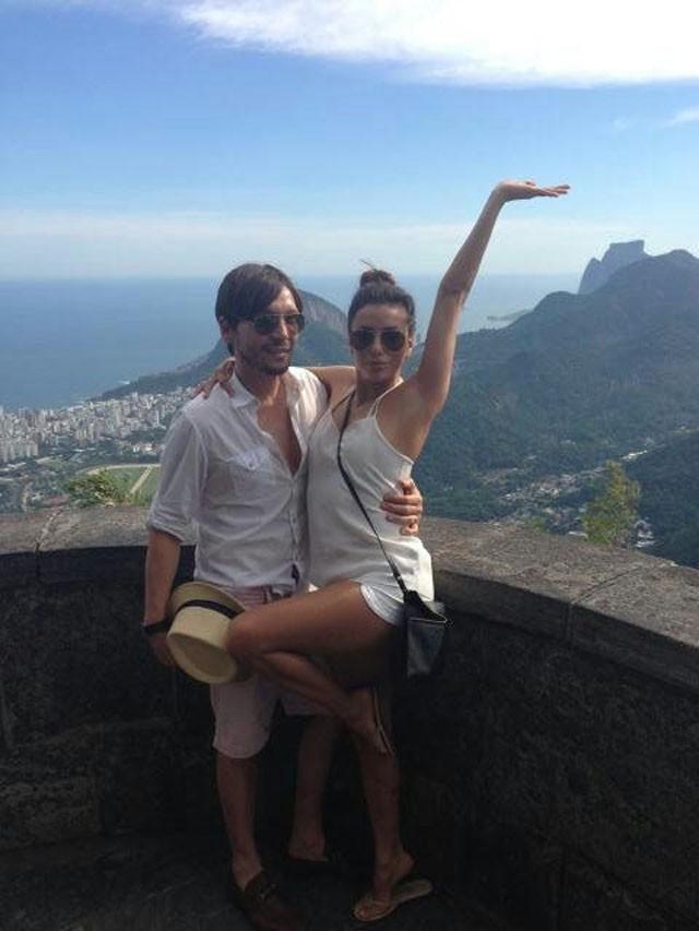 Eva Longoria avec toute sa team à Rio de Janeiro le 11 mars 2013