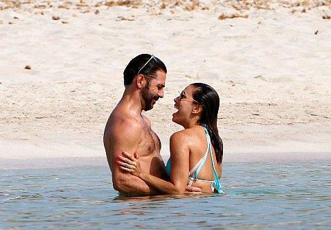 Photos : Eva Longoria en vacances chez les nudistes !