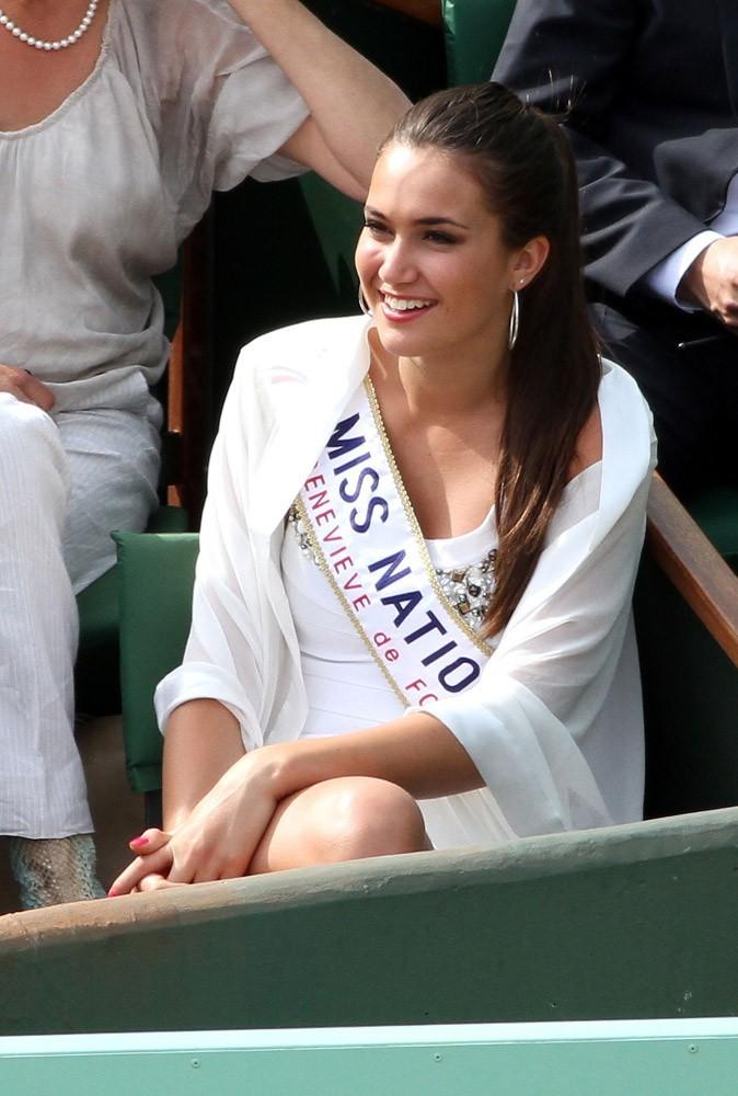 Barbara Morel se doit de jouer son rôle de Miss Nationale