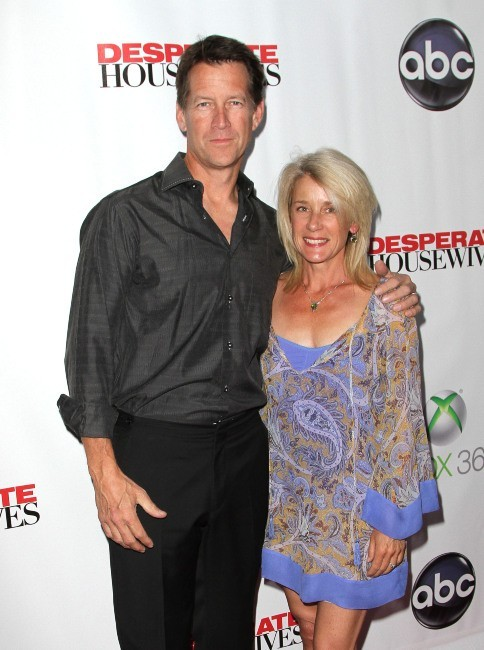 Mike Delfino et sa femme Erin lors de la Desperate Housewives Final Party à L.A., le 29 avril 2012.