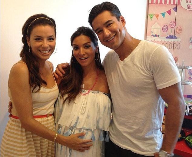 Eva Longoria avec Courtney Mazza et Mario Lopez le 17 août 2013