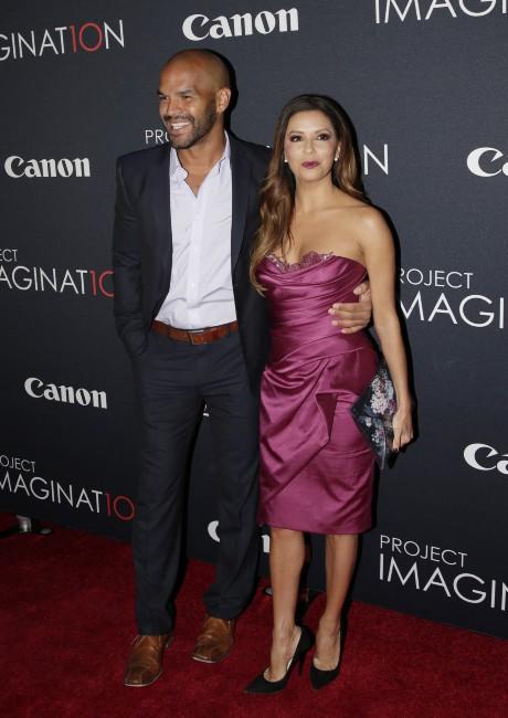 """Eva Longoria et Amaury Nolasco lors du """"Canon's Project Imaginat10n Film Festival"""" à New York, le 24 octobre 2013."""