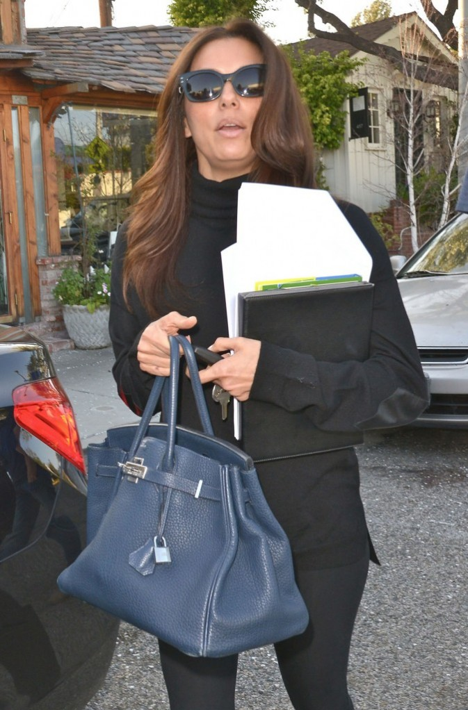 Eva Longoria à la sortie du salon de Ken Paves à West Hollywood le 18 février 2013
