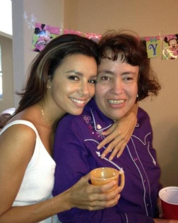 Eva Longoria avec sa grande soeur Liza le 25 août 2012