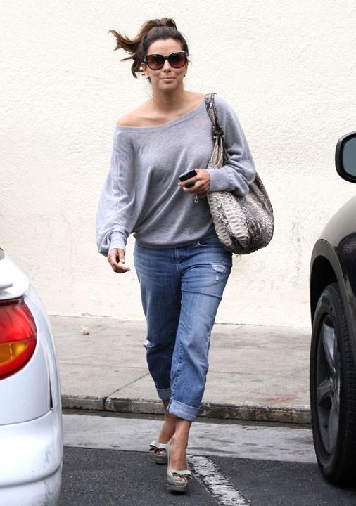 Même en jean, elle est ultra-sexy !