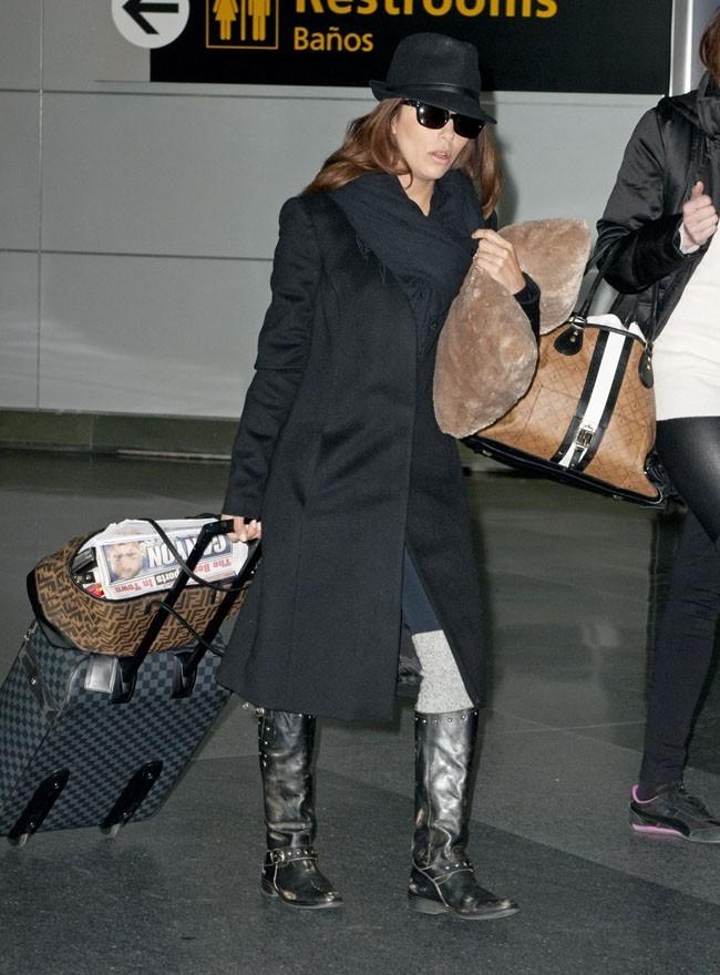 Eva Longoria à l'aéroport de Los Angeles le 13 février 2013