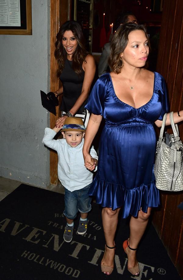 Eva Longoria de sortie avec Jose Antonio Baston et des amis à Los Angeles le 12 juin 2014