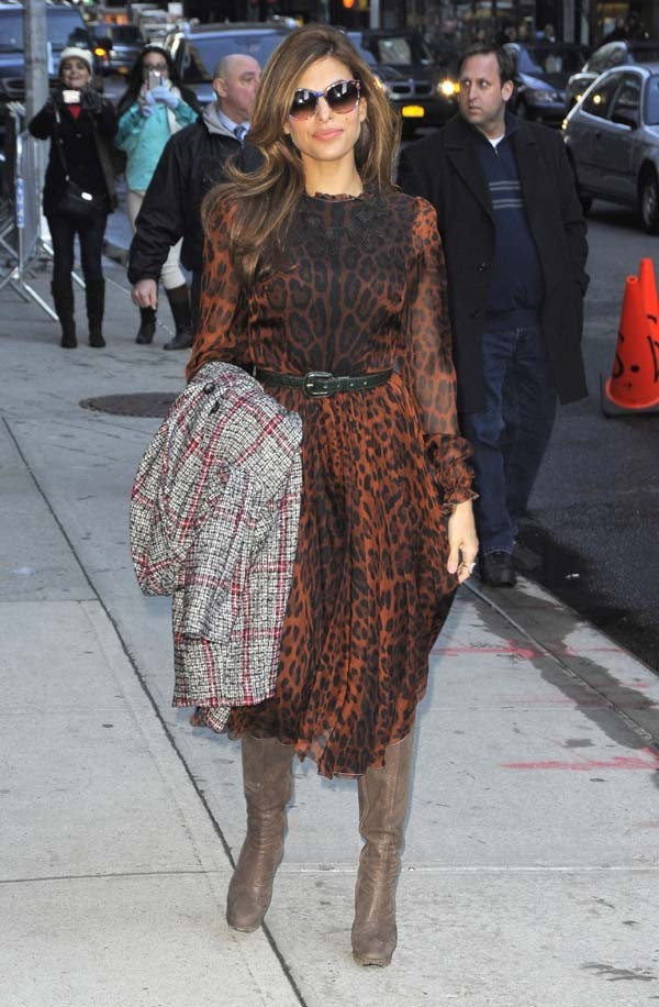 Eva Mendes chez David Letterman à New-York le 19 mars 2013