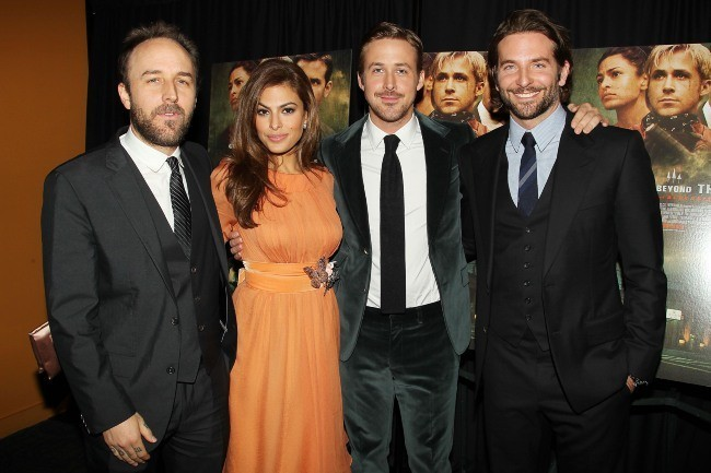 Derek Cianfrance, Mendes, Ryan Gosling et Bradley Cooper lors de la première de The Place Beyond the Pines à New York, le 28 mars 2013.