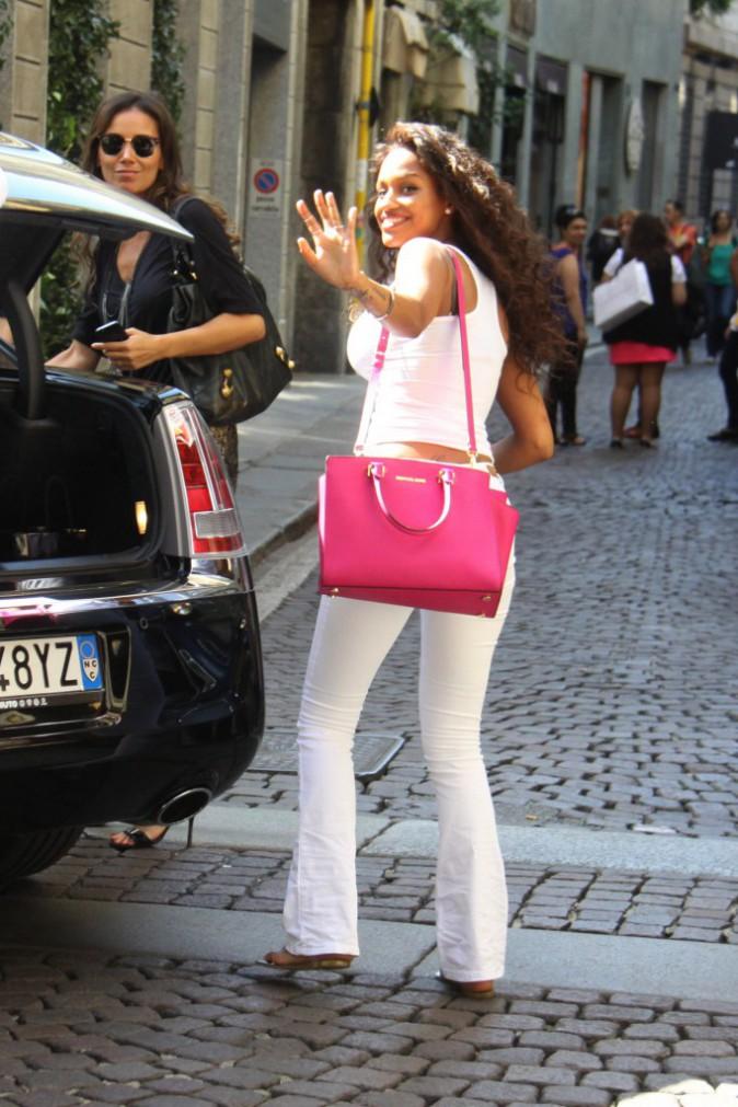 Photos : Fanny Neguesha : séance shopping pour la future épouse de Mario Balotelli !