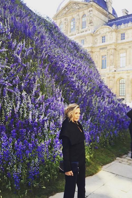 Elizabeth Olsen au défilé printemps-été 2016 Dior, le 2 octobre 2015 à Paris !
