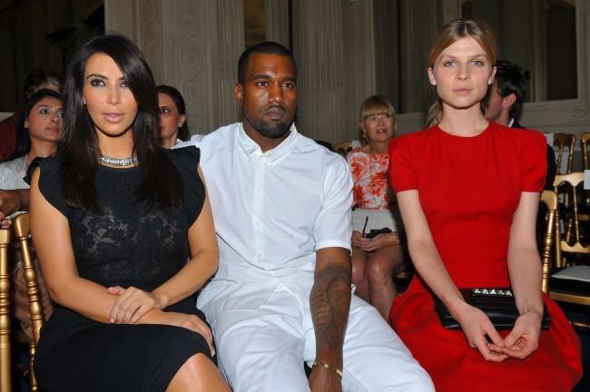 Kim Kardashian, Kanye West et Clémence Poésy lors du défilé Valentino à Paris, le 4 juillet 2012.
