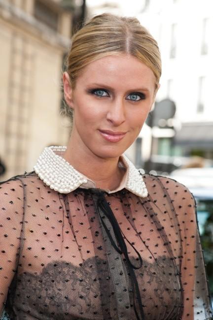Nicky Hilton se rendant au défilé Valentino à Paris, le 4 juillet 2012.