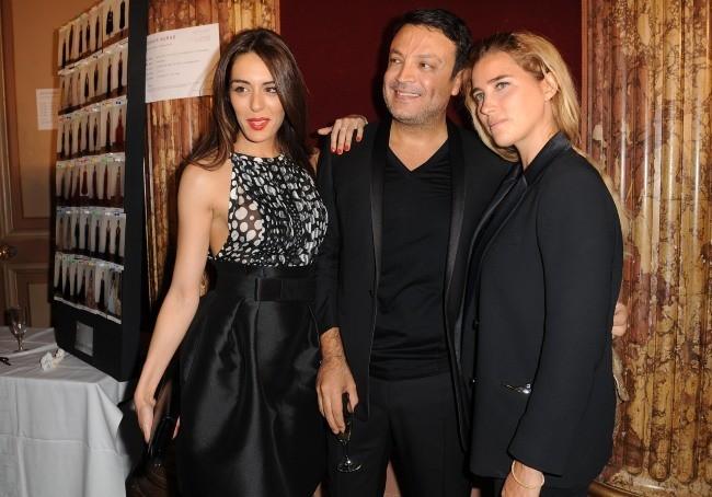 Sofia Essaïdi, Zuhair Murad et Vahina Giocante lors du défilé Zuhair Murad à Paris, le 4 juillet 2012.