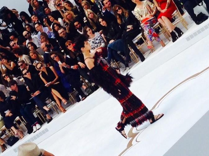 Kendall Jenner défile en haute-couture pour Chanel le 8 juillet 2014