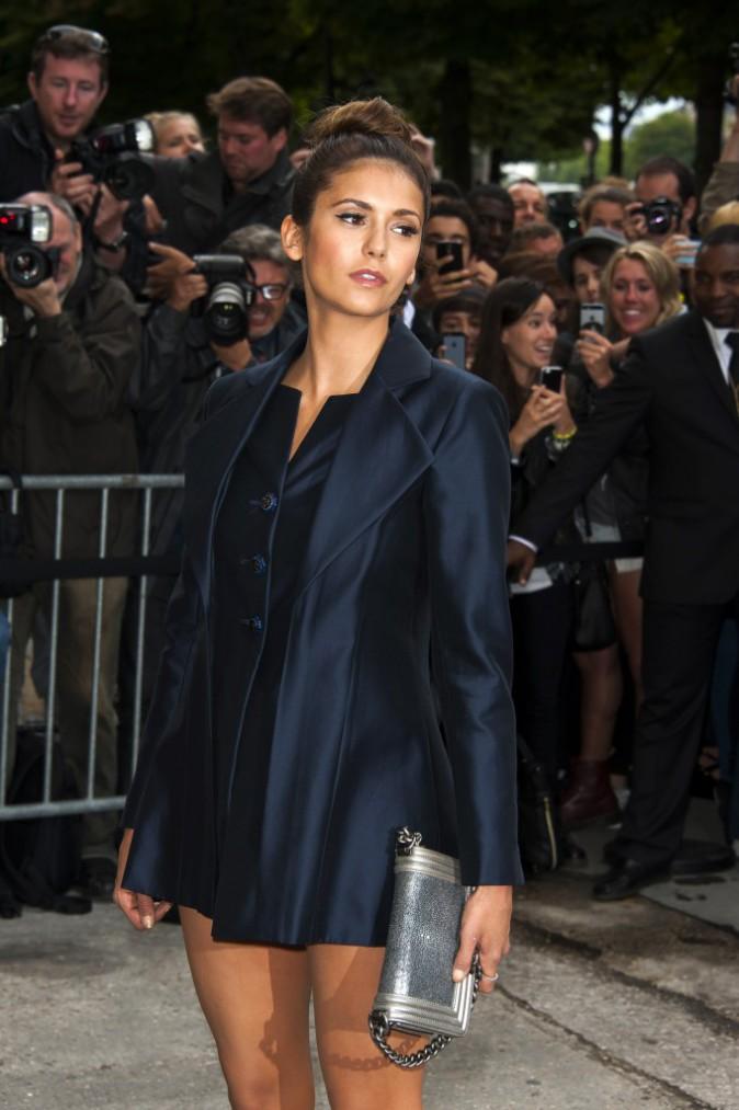 Photos : Fashion Week HC : Nina Dobrev : longues et sexy gambettes à l'air pour admirer Kendall Jenner chez Chanel !