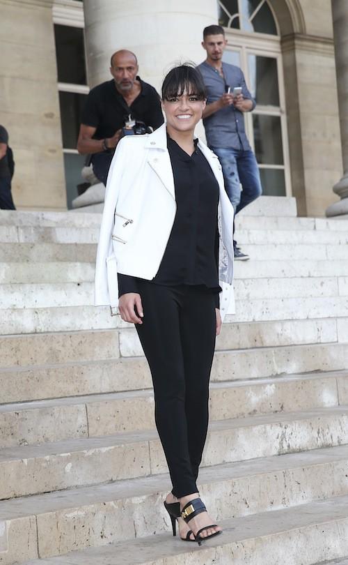 Michelle Rodriguez au défilé Haute Couture automne-hiver 2015-2016 Versace, à Paris le 5 juillet 2015