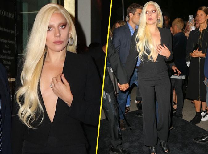 ... New York : Sensuelle, Lady Gaga Affiche De Nouveau Sa Bague De