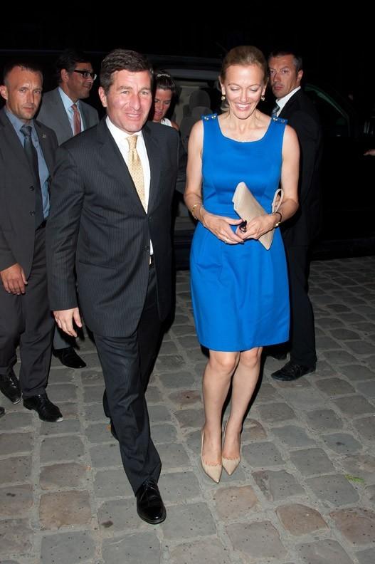 Charles H. Rivkin et sa femme lors du défilé Chanel à Paris, le 5 juillet 2011.
