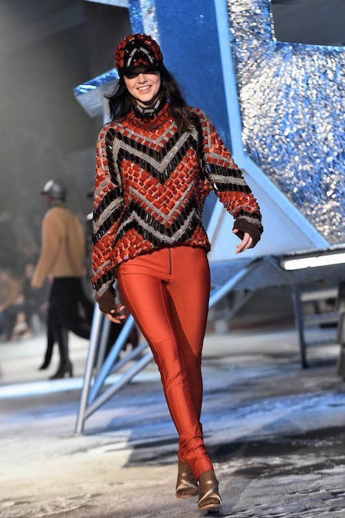 Photos : Fashion Week Paris : Kendall Jenner : colorée et souriante pour H&M Studio !