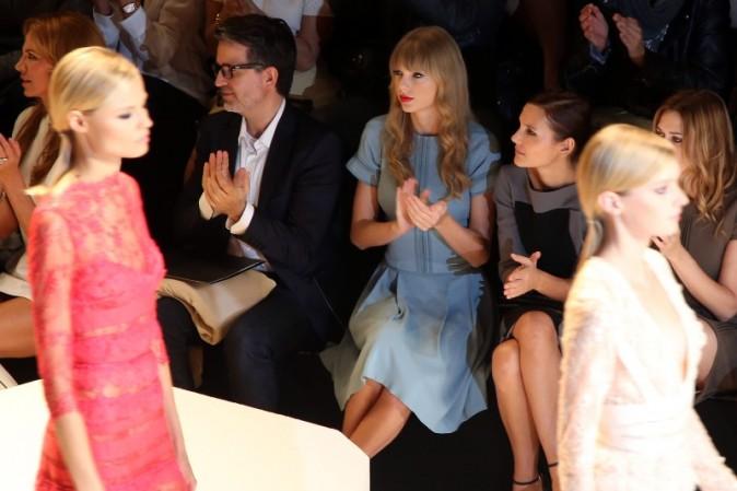 Taylor Swift au défilé Elie Saab à Paris, le 3 octobre 2012.