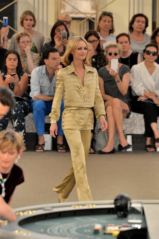 Photos : Fashion Week : Vanessa Paradis : célibataire rayonnante avec Lily Rose Depp !