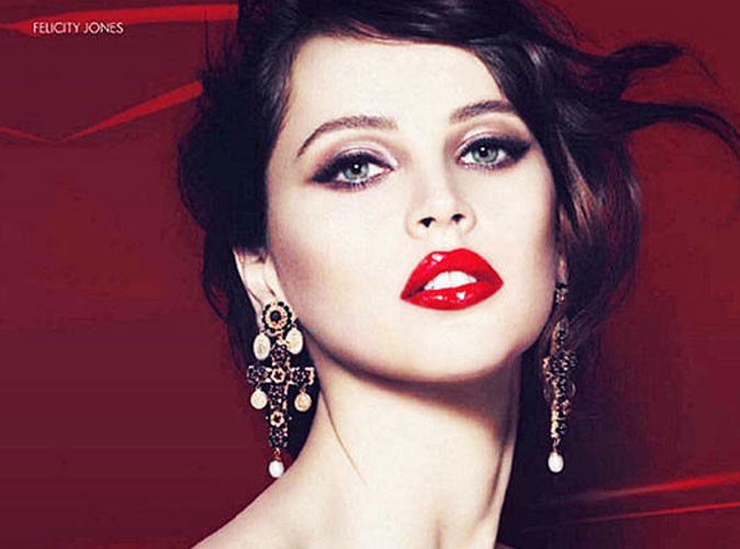 photos felicity jones dans les coulisses de la derni re campagne de pub dolce gabbana. Black Bedroom Furniture Sets. Home Design Ideas