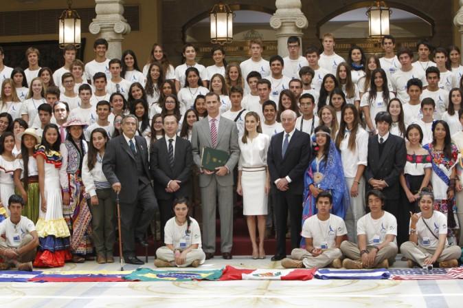 Felipe et Letizia d'Espagne : ils recoivent la visite d'étudiants internationaux !