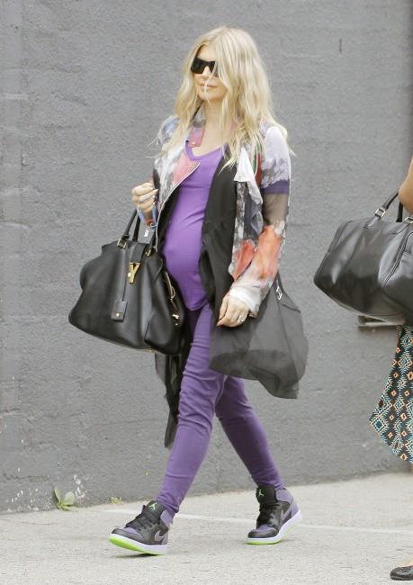 Fergie en route pour son studio d'enregistrement à Los Angeles le 11 juin 2013