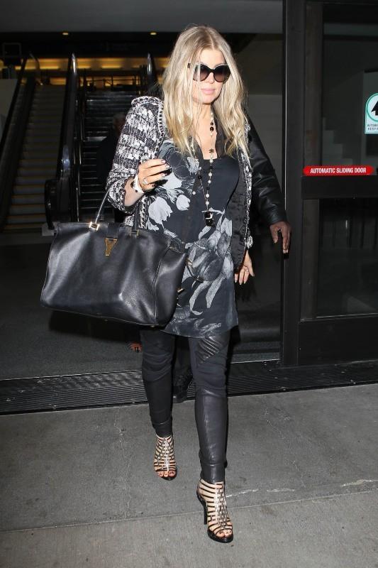 Fergie à la sortie de l'aéroport