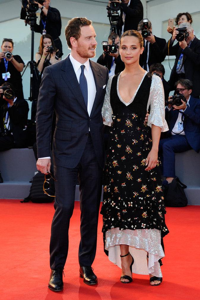 """Michael Fassbender et Alicia Vikander en Louis Vuitton à l'avant-première de """"The Light Between Oceans"""""""