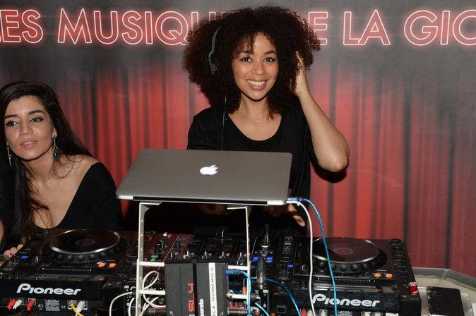 Aurélie Konaté s'éclate au platines