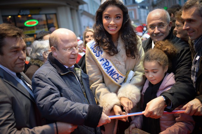 Flora Coquerel (Miss France 2014) à Chartres le 18 décembre 2013