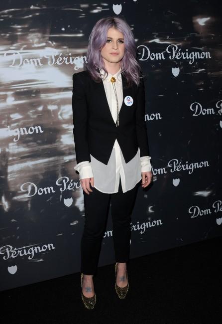 Kelly Osbourne, lookée androgyne