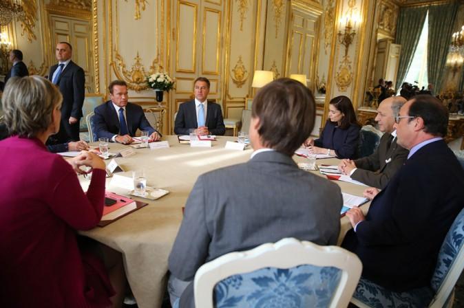 François Hollande embarrassé par Arnold Schwarzenegger à l'Elysée ?