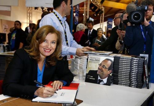 Photos : François Hollande : Ségolène Royal, Valérie Trierweiler, Julie Gayet, qui sont les femmes de sa vie ?