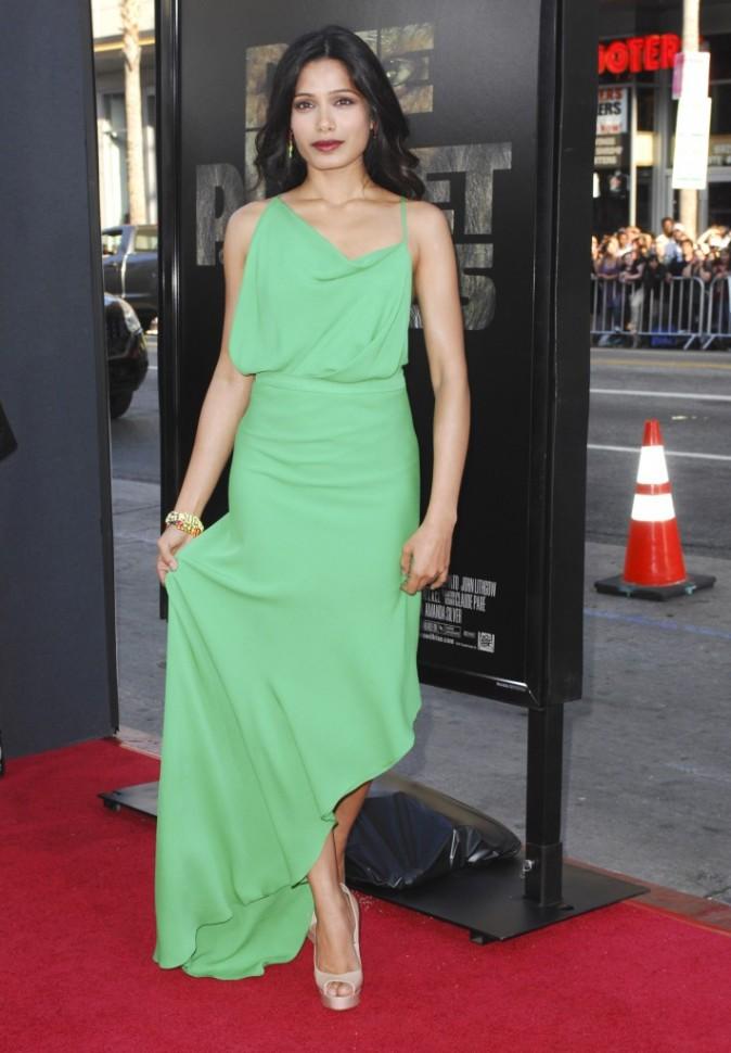 """Freida Pinto lors de la première du film """"La planète des singes : les origines"""" à Los Angeles, le 28 juillet 2011."""