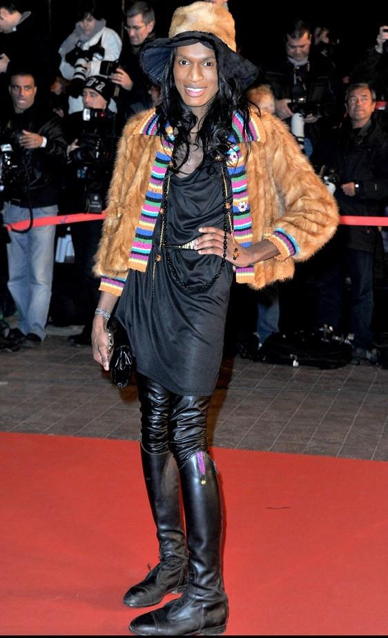 Un accro de la mode, en 2011 aux NRJ Music Awards à Cannes