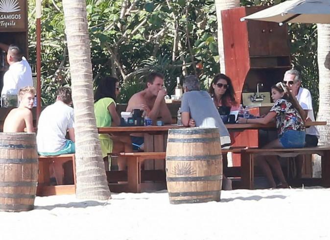 George Clooney et Amal en vacances au Mexique avec Cindy Crawford et sa famille !