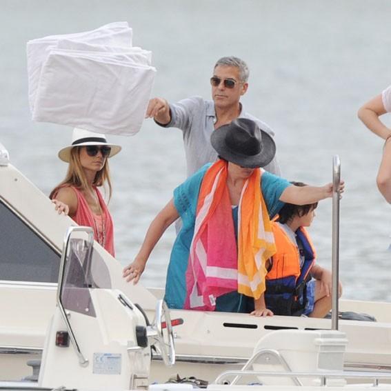 George Clooney au Lac de Côme avec Stacy Keibler et son ex Karen Duffy le 3 juillet 2012