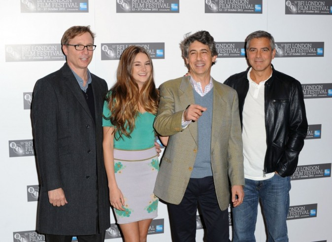 Jim Burke, Shailene Woodley, Alexander Payne et George Clooney lors du photocall du film The Descendants à Londres, le 20 octobre 2011.