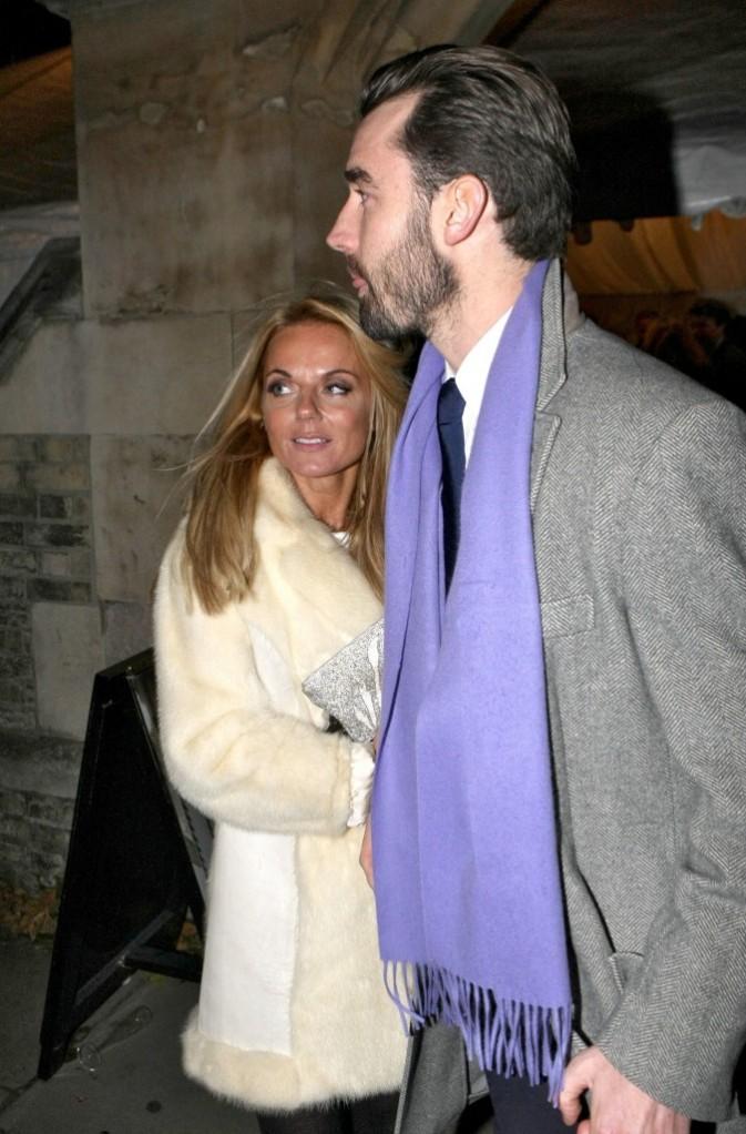 Geri Halliwell et son nouveau boyfriend à Londres, le 6 décembre 2011.