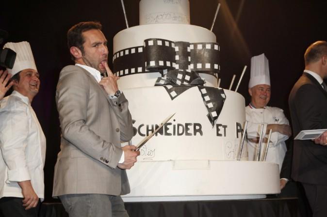 Mais c'est qu'il a l'air bon ce gros gâteau !