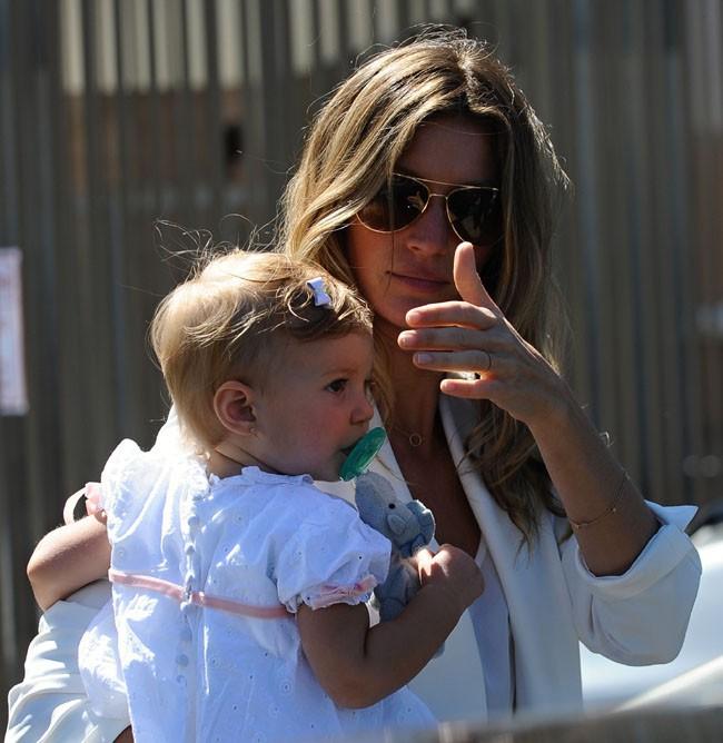 Gisele Bündchen au baptême de sa fille Vivian organisé le 8 mars 2014 à Santa Monica