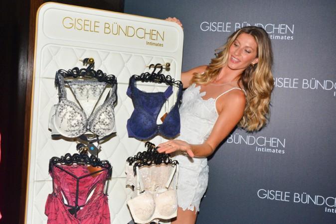 Gisele Bündchen présente sa nouvelle collection de lingerie à Sao Paulo le 26 août 2014