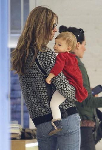 Gisele Bundchen et sa fille à New-York le 19 octobre 2013