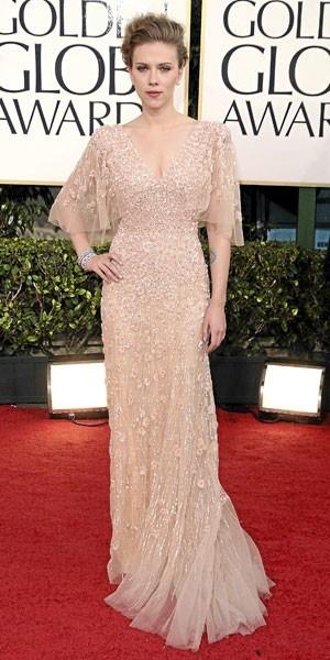 Golden Globes 2011 : le look de Scarlett Johansson