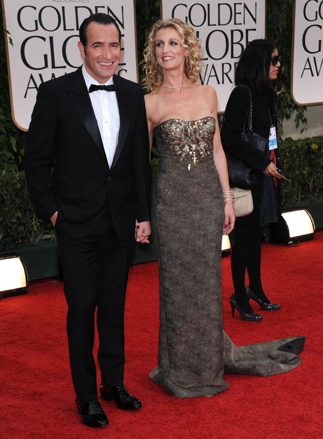 Jean Dujardin et Alexandra Lamy sur le tapis rouge des Golden Globes 2012