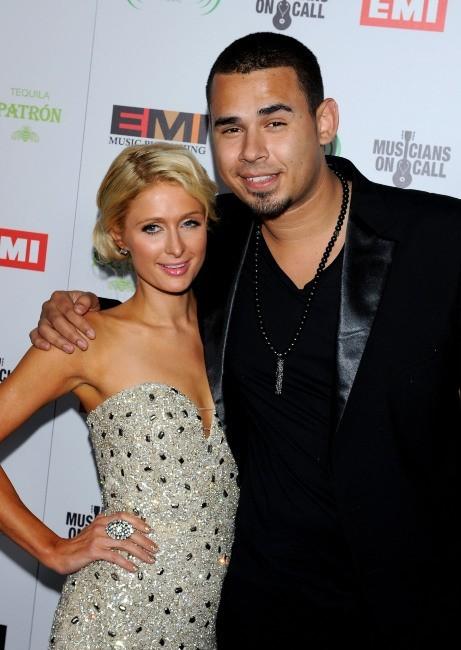 Paris Hilton et DJ Afrojack lors de la soirée EMI Grammy After-Party à Los Angeles, le 12 février 2012.