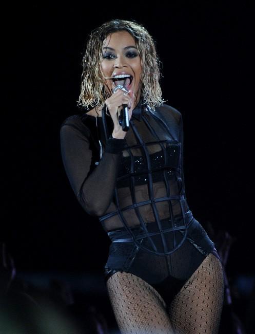 Beyoncé sur la scène des Grammy Awards à Los Angeles, le 26 janvier 2014.